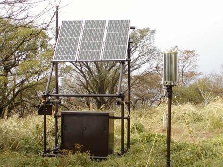 写真:丹沢山の気象観測装置