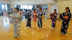 日本舞踊の練習の様子